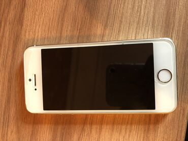Iphone 5s.Ustada olmayib.Daxilinde hec bir problemi yoxdur.Ust
