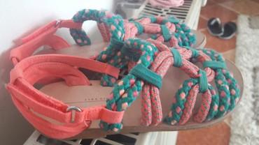 Dečija odeća i obuća - Lebane: Zara sandaluce br 26