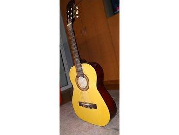 Κλασική κιθάρα Diegoμε φανταστικό ήχο και χρώμα.Δεν έχει