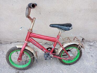 Usaq velosipedi 12lik 3 yaşdan 6 yaşa qədər. bircə arxa kameri