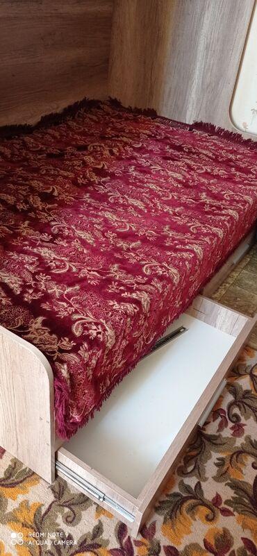 13975 объявлений: Продаю двухярусную кровать Размер 1.09 на 1.20 В г. Чолпон-Ата Обращат