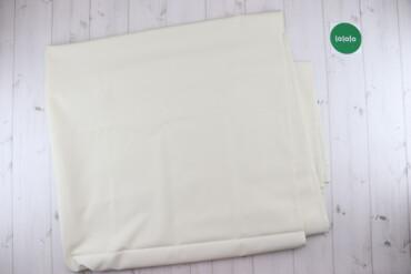 Тканина молочного кольору    Ширина 143 см Довжина 3 м  Є плями. Стан