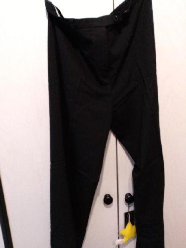 Pantalone klasican, ravan kroj, jako lepe, bez ostecenja, nosene dva