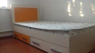кровать односпальные  (2 шт )длина 2 метра ширина 90 см 2 полки (од в Бишкек