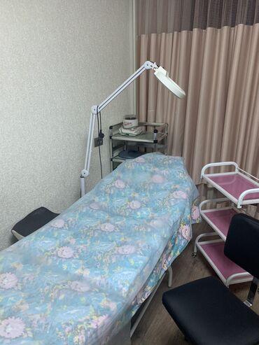 arenda ofisa в Кыргызстан: Сдаю кушетку в аренду Лашмейкер ламинация ваксинг депиляция центр