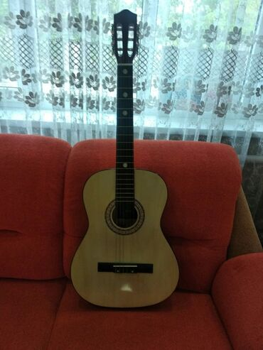 Спорт и хобби - Буденовка: Продаю гитару классическую от фирмы Stiller гитара отлично подойдёт