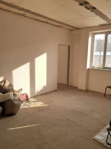 строительные бригады в бишкеке в Кыргызстан: Продается квартира: 3 комнаты, 62 кв. м