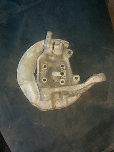 bentley mulsanne 675 v8 в Кыргызстан: Продаю правую переднюю цапфу на V8 БМВ Е39