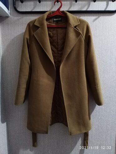 Пальто в идеальном состоянии, длина выше колена, размер s,m, 2000сом