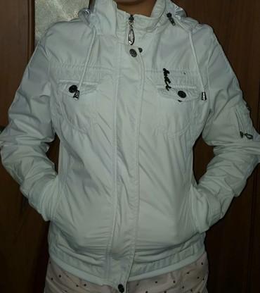 сумочку женскую в Кыргызстан: Продаю женскую куртку Размер :42-44цвет :белыйВ отличном
