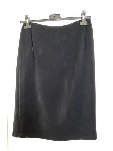 Απλή φούστα μαύρη. M/L