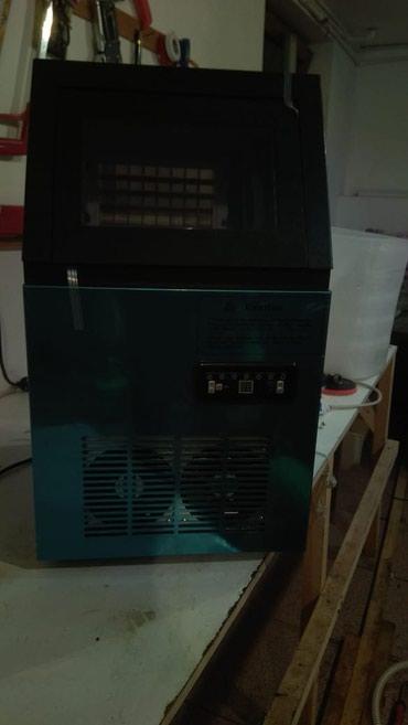 Bakı şəhərində Almaniya istehsalı buz aparatı satılır.təzədir.60kq-lıq.1il