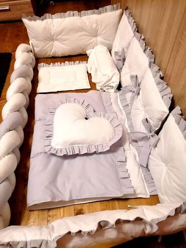 Pleteni prslici - Srbija: Ogradica sa posteljinom i pletenicom