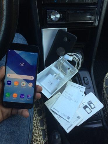 Bakı şəhərində Samsung galaxy A5 2017.. Telefon ideal veziyetdedir hec bir problemi