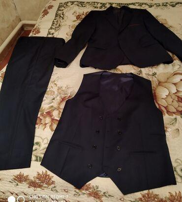 Продаю срочно б/у костюмы тройка турецкий размер 52(один раз одивал)в
