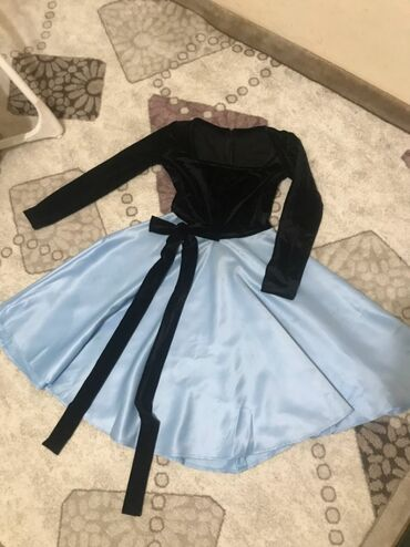 Продаю вечернее платье Размер S-M