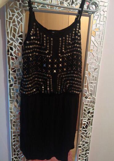 HiM crna haljina sa nitnama, odgovara za s/m velicinu. Kao nova! Nisam
