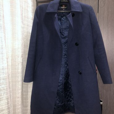 Пальто размер L оверсайз, есть ремень