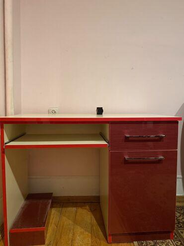 Masaustu komputer stolu satilir. Yenidir. Hec bir yerinde cizigi flan