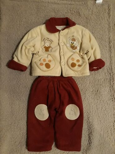 Tricetvrt pantalone - Srbija: Decij zimski komplet.Velicina M.Termo pantalonice i jakna .Kovcanje na