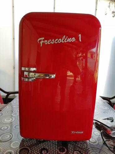 Kamion - Srbija: Upotrebljen crvena refrigerator