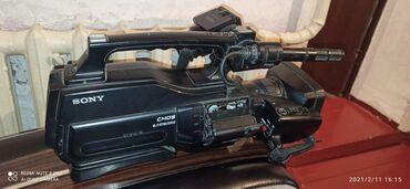 Продаю видео камера кассетный сони. Договаримся