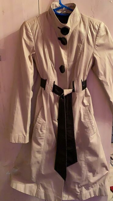зимние куртки женские бишкек в Кыргызстан: 2. Плащ кожаный Б/У лазерная кожа, размер S (покупала в Турции за 30