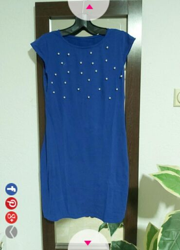 Haljine   Lebane: Plava haljina sa biserima.Univerzalna veličina. Sa biserima u predelu