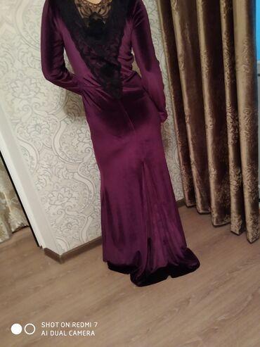 Платья - Состояние: Новый - Кок-Ой: Идеально садится на фигуру,с шлейфом,бархат
