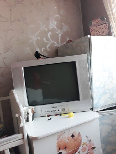 Продается телевизор в рабочем состоянии работает отлично большой