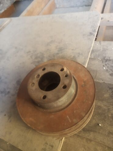 Продаю пара передние тормозные диски е34