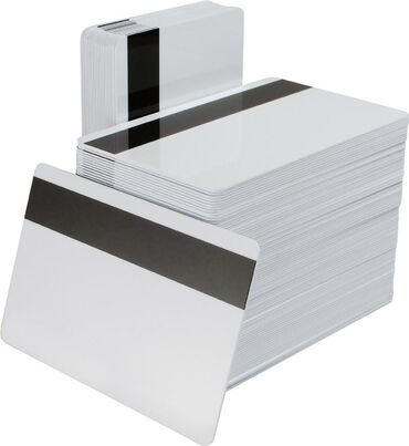 Пластиковые карты с магнитной полосой Hi-CoПо номеру телефона есть