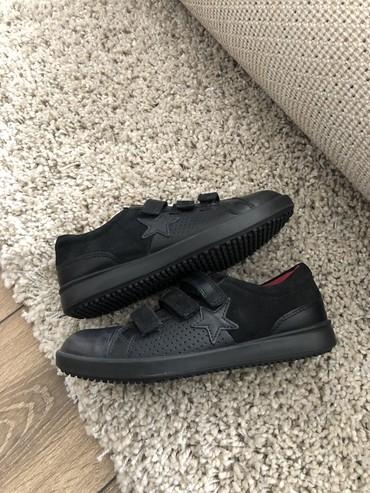 спортивную обувь ecco в Кыргызстан: Продается обсалютно новая детская обувь ECCO в оригинале 34 размера. П