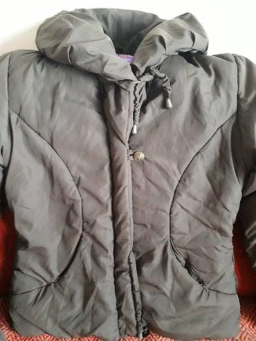 Braon jakna,kao nova,moderna i topla.Iznutra je postavljena cebastim - Belgrade