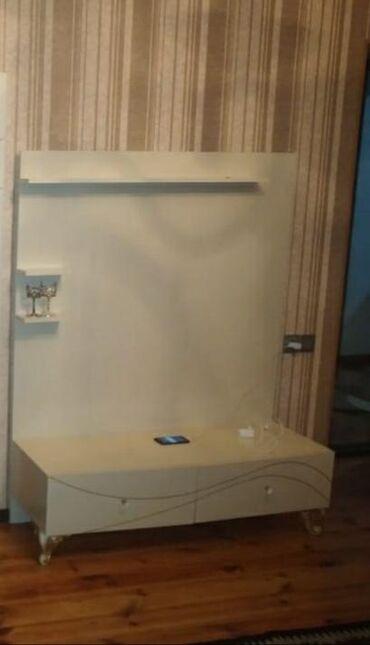 TV stend 100manata satılır.unvan: Xırdalan//Günay