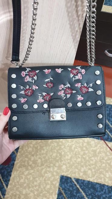 сумка черного цвета в Кыргызстан: Продаётся сумка б/у в идеальном состоянии, носилась пару раз,фирма