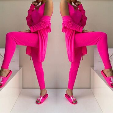 Komplet u Pink boji VRHUNSKI kvalitet Vel S M L Pantalone, majica i og