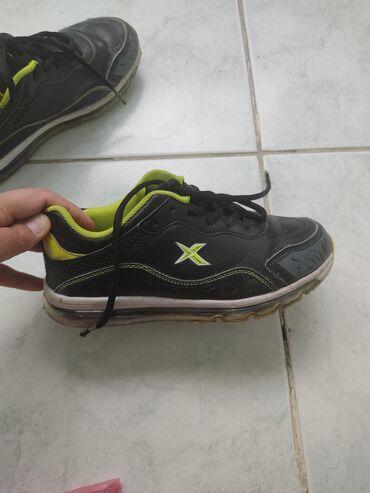 Kinetix ayakkabı 34 razmer 10 manat