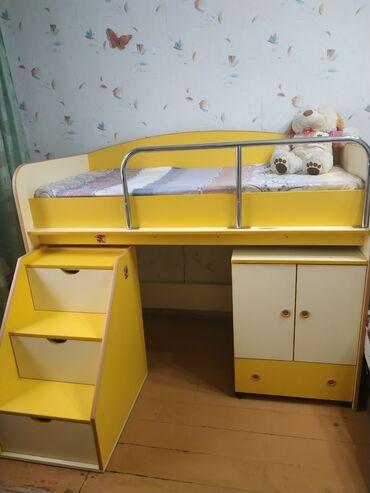 Продам детскую кровать-чердак, длина 1,6 метра. Матрас требует замены