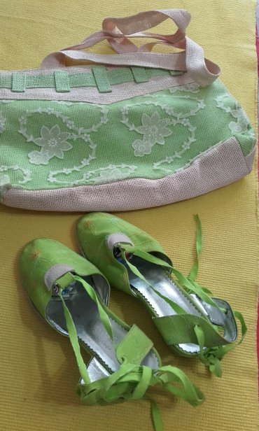 Torba i sandale jednom obuvene br 38 od platna sa pertlanjem,sve - Pozarevac