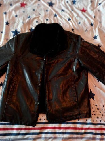 мужская одежда для спортзала в Кыргызстан: Продаю дублёнку 56 размерановаяне одевалась. Лакированная кожа