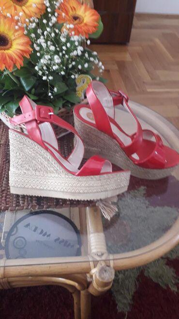 Ženska obuća   Pozarevac: Samo isprobane, crvene sandale, sa ortopedskom petom, visina 11cm