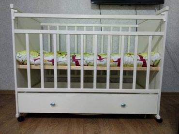Детская кроватка в отличном состоянии. Не пользовались, так как