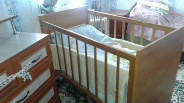 Продаю детскую кроватку с нишей под бельё