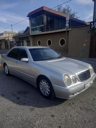 - Azərbaycan: Mercedes-Benz E 240 2002