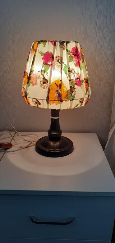 Красивый прикроватный светильник (ночник лампа настольная) 1 ш