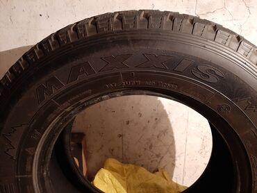 шины 265 65 r17 в Кыргызстан: 265/65/R17 комплект зимняя резина в хорошем состоянии