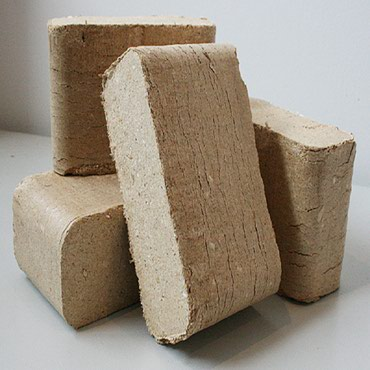 RUF briquettes are made of dry wood shavings without the addition of σε Athens