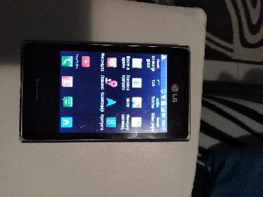 Mobilni telefoni - Prokuplje: Telefon u ispravnom stanju otvoren za sve mreze baterija drzi jedan