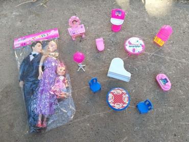 Barbie set - Crvenka: Novoo - 1.250,oodin. Barbika, ken, beba, nameštaj. Lično